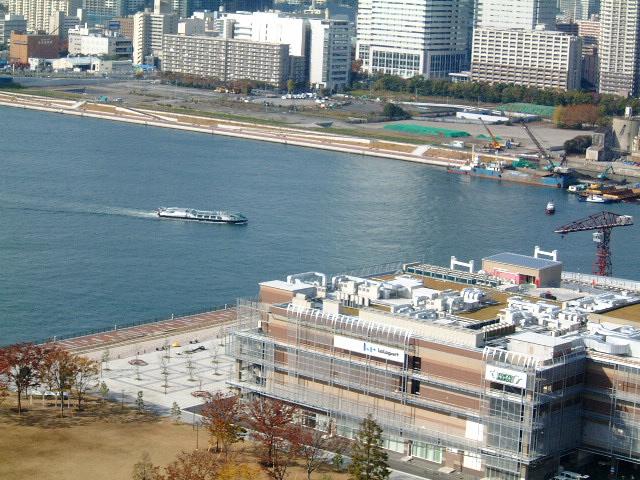 未来型水上バス ヒミコ 豊洲入港