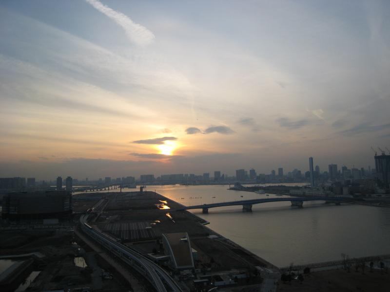 2007年初夕日