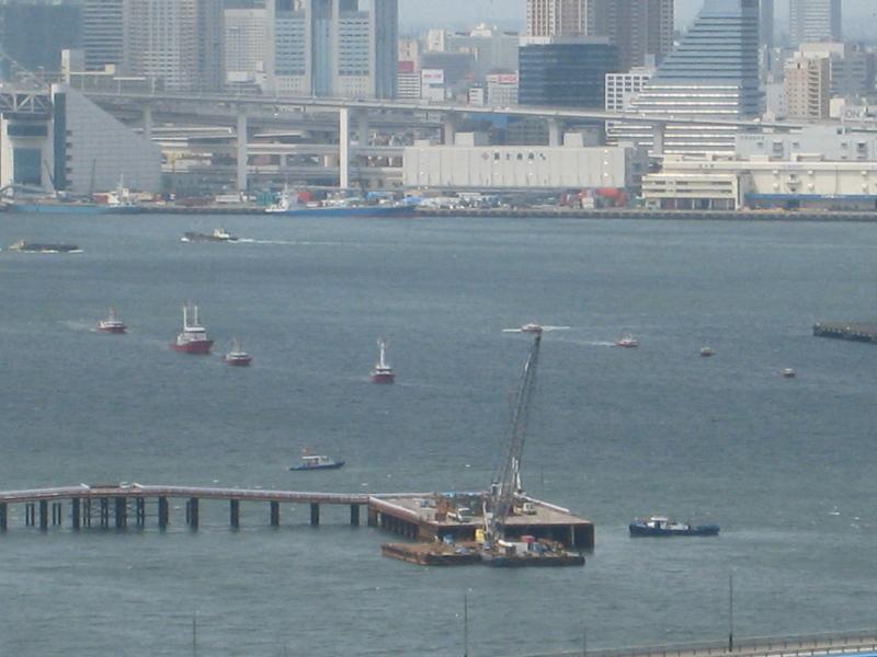晴海埠頭の消防船