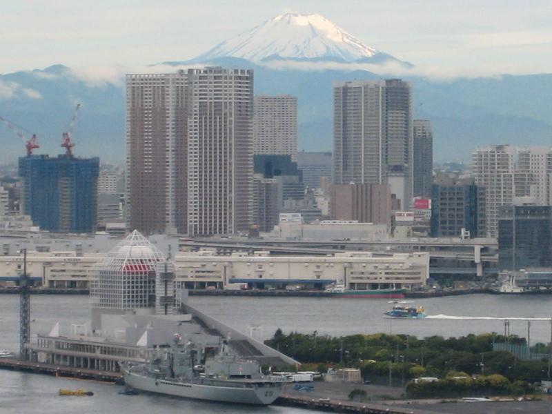 梅雨の晴れ間の富士山