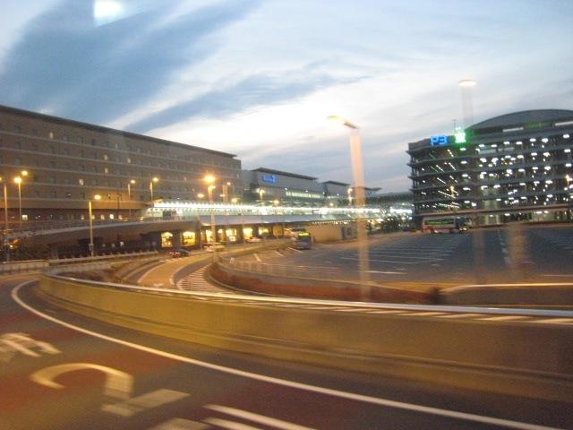 豊洲 - 羽田空港間のリムジンバス