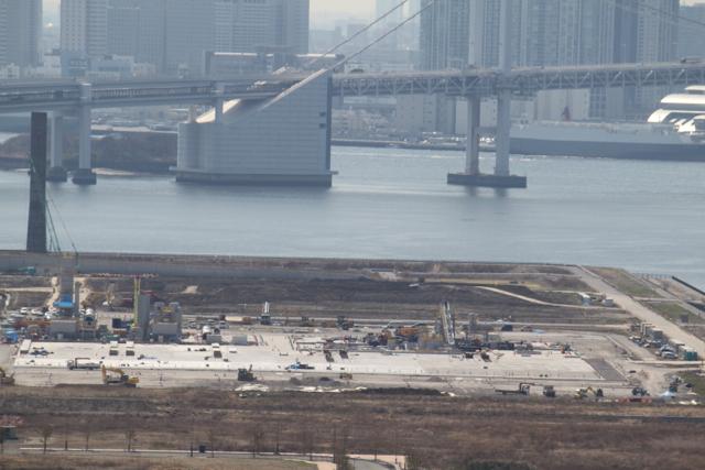築地が移転する豊洲新市場の工事状況とレインボーブリッジ 2012年3月