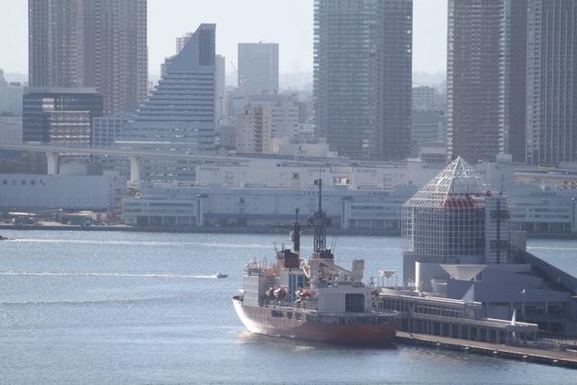 南極観測船「しらせ」晴海に寄港中