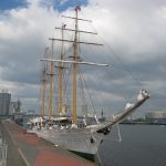 帆船に接近