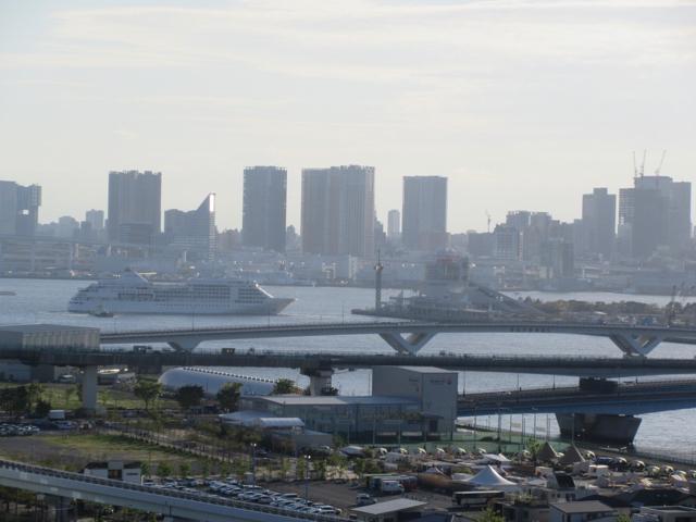 豊洲GW2017 晴海埠頭から出港する客船