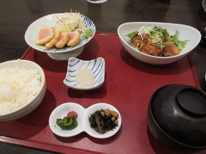 鹿児島の串木野名物 マグロのレアカツと大分の別府とり天のポテトとグリーンサラダ仕立て