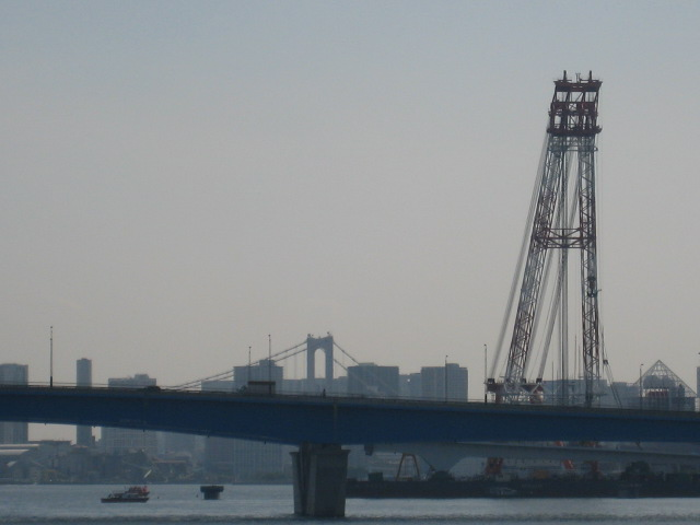 建設中の豊洲大橋に