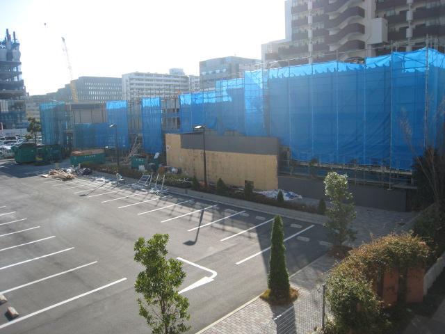 ザ・豊洲タワー マンションパビリオン解体中