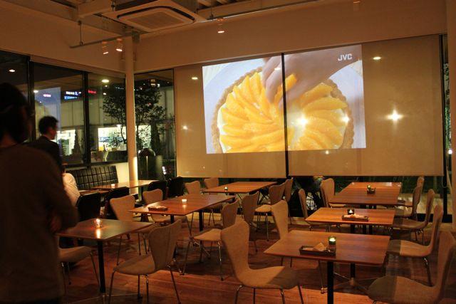 CAFE;HAUS 豊洲 スクリーン