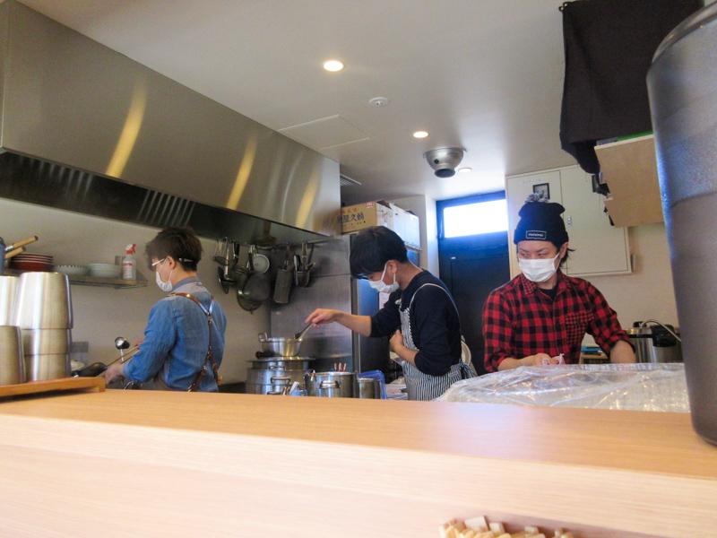 ねいろ屋 豊洲店 厨房