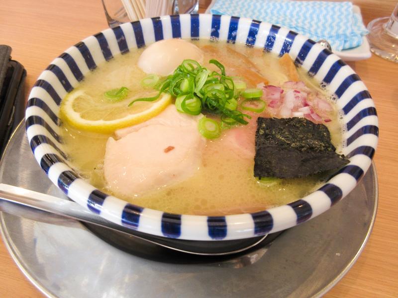 ねいろ屋 豊洲店「味玉 特製 濃厚鯛塩ラーメン」